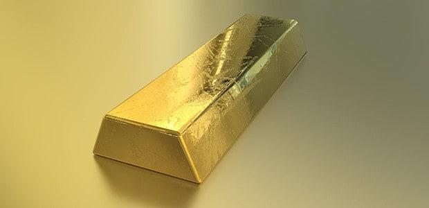 Va al casinò con un lingotto d'oro ma prende il reddito di cittadinanza